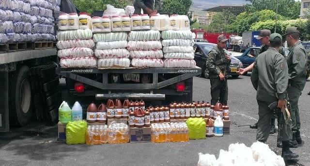 La crisi in Venezuela sta provocando tensioni anche con la vicina Colombia, a causa del diffuso contrabbando al confine tra i due paesi.