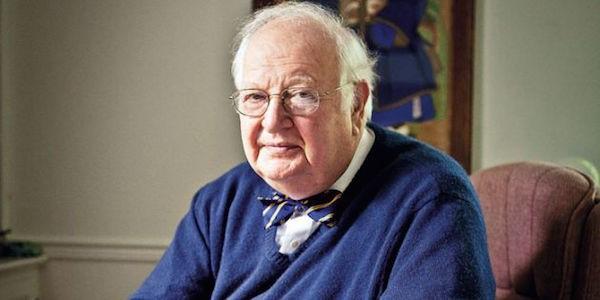 Angus Deaton ha vinto il Premio Nobel per l'Economia,  grazie agli studi sul rapporto tra domanda, reddito e prezzi dei beni.