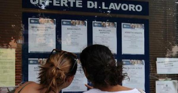 In Italia mancano 4 milioni di posti di lavoro, rispetto alla media OCSE. L'80% di questi sono al Sud.