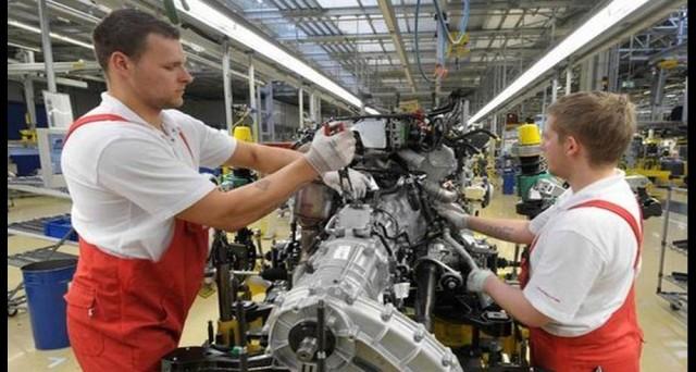 Produzione industriale in calo mensile ad agosto in Italia, ma in crescita su base annua.