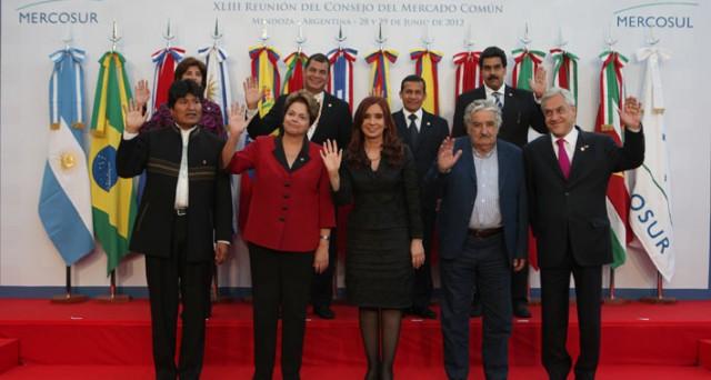 Il Venezuela potrebbe essere cacciato dal Mercosur su proposta del neo-presidente argentino Mauricio Macri.