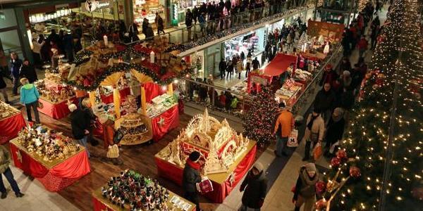 Shopping di Natale con nuove regole: 10 giorni di tregua per le feste