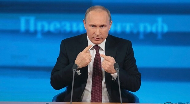 Vladimir Putin parla alla conferenza stampa di fine anno e difende l'operato della banca centrale, mentre l'Ucraina annuncia il default verso la Russia tra 3 giorni.