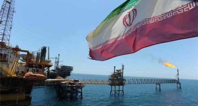 Quotazioni del petrolio in lieve recupero, nonostante il rallentamento ufficiale della crescita cinese. Intanto, l'Iran potrebbe disporre di 45 milioni di barili pronti alla vendita.