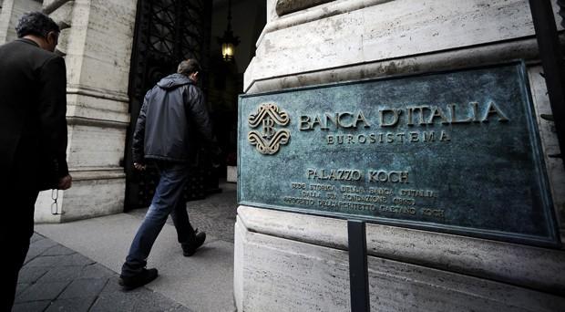 L'accordo sulle banche non riscontra fiducia sul mercato, che non crede al funzionamento del meccanismo della garanzia pubblica. I titoli bancari soffrono.
