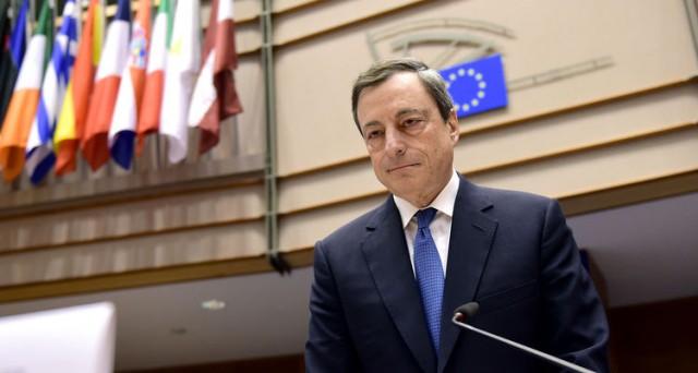 La BCE è preoccupata per la persistente bassa inflazione nell'Eurozona, per cui potrebbe agire a marzo. Si teme una discesa sotto lo zero nei prossimi mesi.