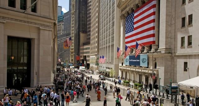 L'andamento del Dow Jones anticipa tipicamente la vittoria dell'uno o dell'altro schieramento alle elezioni presidenziali USA. Ecco cosa significa per la corsa di quest'anno per la Casa Bianca.