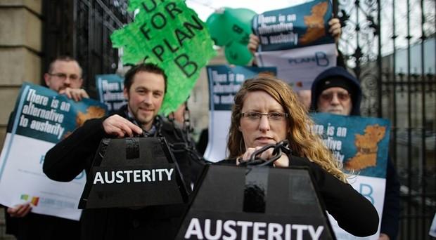 L'Irlanda boccia l'austerità fiscale e apre un nuovo fronte dentro l'Eurozona, i cui effetti potrebbero realmente essere nefasti per la sopravvivenza della moneta unica.