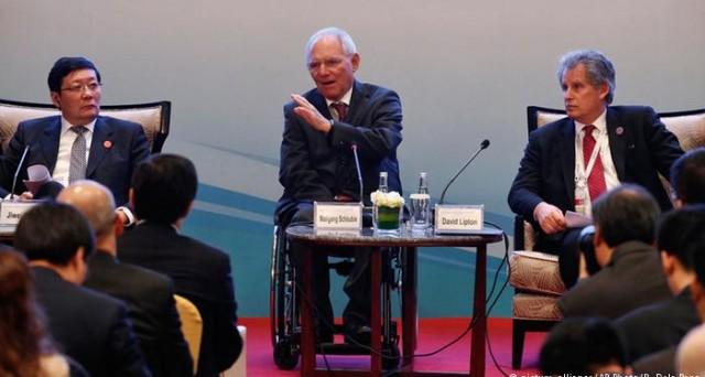 Pressioni su Cina e Germania al G20 finanziario di Shanghai, affinché contribuiscano a contrastare il rallentamento economico globale.