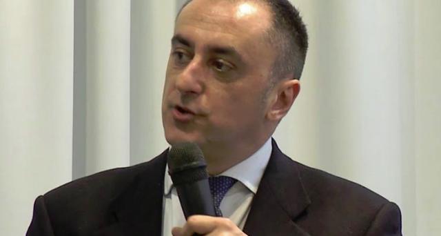 Intervista a Paolo Cardenà sulla situazione economico-finanziaria attuale dell'Italia. Tra elezioni anticipate, stravolgimenti geo-politici e nuovo asse franco-tedesco, vediamo cosa pensa uno dei più popolari blogger economici italiani.