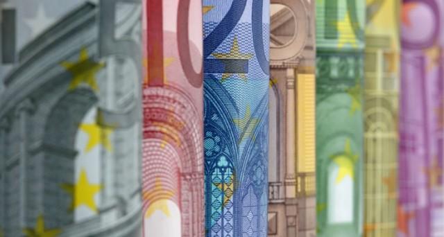 Le previsioni degli analisti sul cambio euro-dollaro, in attesa del board della BCE di domani. E rispetto al 2015, la musica sembra un po' cambiata.