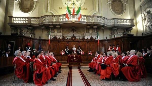 Manovra correttiva per lo 0,9% del pil. La chiede la Corte dei Conti, che stima per il prossimo biennio uno scostamento cumulato di circa 15 miliardi, a causa della flessibilità utilizzata dal governo Renzi.