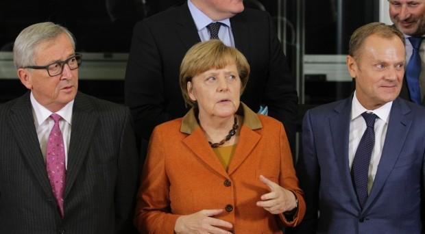 Vertice UE sull'emergenza profughi il lunedì prossimo. La cancelliera Angela Merkel si gioca le ultime carte per salvare la costruzione europea. Elevato lo scetticismo.