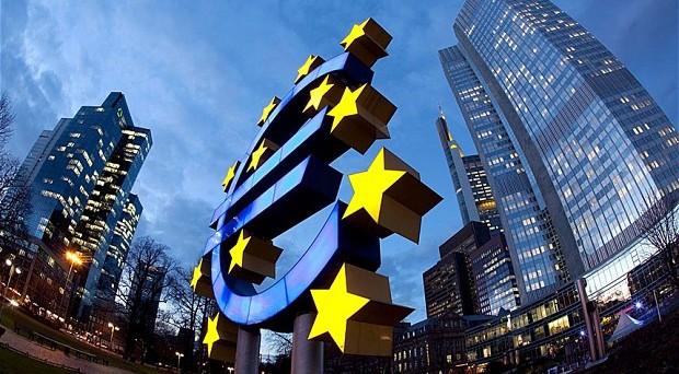 Tutti i numeri dell'insuccesso della BCE di Mario Draghi con il