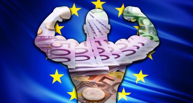 Spread e rendimenti sovrani periferici giù nell'Eurozona dal varo del super-QE di giovedì scorso, mentre il cambio euro-dollaro è salito. L'attesa è ora per la Fed.