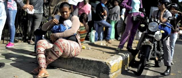 A causa dell'altissima inflazione, il Venezuela risulta il paese con il più alto tasso di miseria al mondo. E la crisi del bolivar si aggrava.