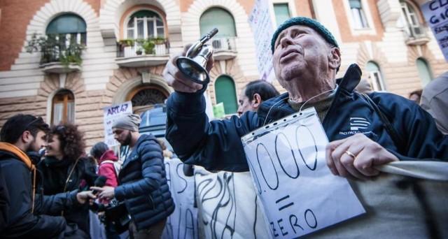 Banche italiane bocciate dall'FMI, preoccupato per le loro elevate sofferenze e i bassi margini. I tassi zero colpiscono particolarmente il nostro sistema.