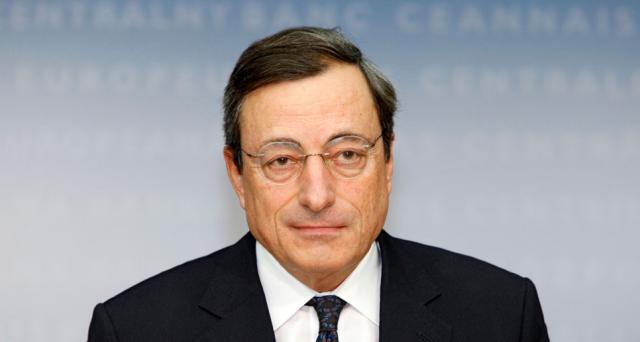 Mario Draghi difende le sue scelte in politica monetaria contro gli attacchi dalla Germania e spiega che non ci sarebbero alternative. E JP Morgan ipotizza che presto la BCE si comprerà anche le azioni delle società quotate nell'Eurozona.