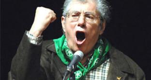 I militanti leghisti preferiscono il liscio alle parole del Senatur