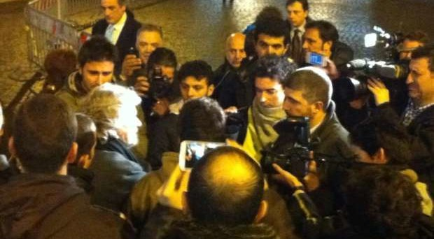 """Il leader del Movimento 5 Stelle apre la rubrica """"balle quotidiane"""" e se la prende con la stampa e con i pennivendoli"""