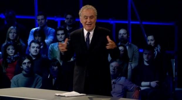 Il titolo ispirato al post sul blog di Beppe Grillo: Santoro parla del nuovo Papa e dell'ingovernabilità