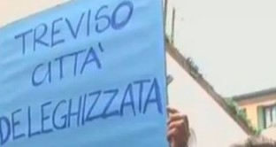 """Per il candidato del PD si tratta di """"una giornata storica"""", mentre l'ex primo cittadino accusa: """"È mancato il sostegno di Lega e Pdl""""."""