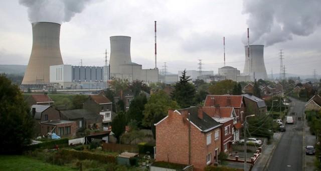 Secondo fonti di polizia citate da La Derniere Heure, l'obiettivo reale della cellula terroristica di Bruxelles sarebbe stata la centrale nucleare di Tihange.