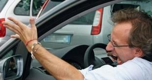 Automobilisti italiani tartassati dallo stato: 71,6 miliardi all'anno tra IVA, accise e altre fonti di gettito. Vi meravigliate se il settore non si sia ancora ripreso?