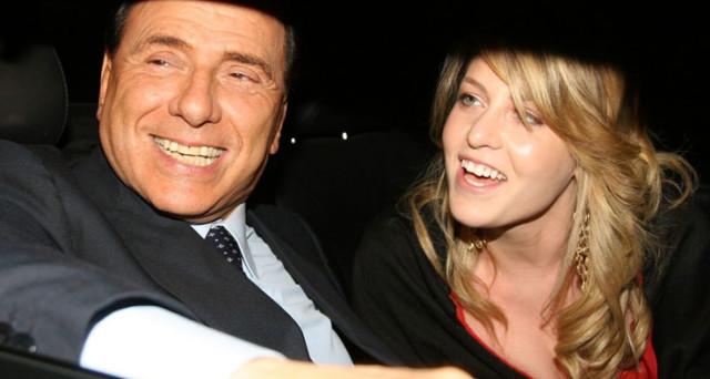 Berlusconi, per mantenere il cognome nel simbolo del partito, vorrebbe candidare alle elezioni europee la figlia Barbara.