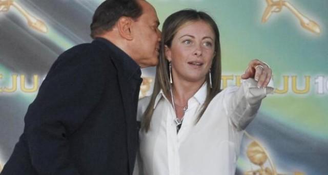 Giorgia Meloni potrebbe ricevere presto il sostegno di Silvio Berlusconi come candidata a sindaco di Roma. Ennesimo colpo di scena di un centro-destra in cerca di identità.