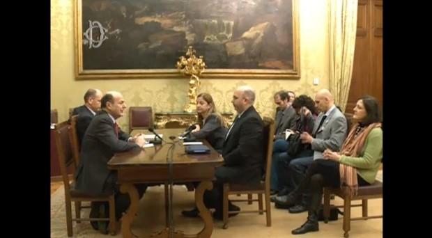 Aperte le consultazioni di Pier Luigi Bersani che dice subito no al governissimo.
