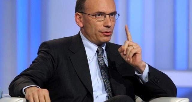 Enrico Letta risponde alle accuse di Grillo facendo notare che sta lavorando per risolvere i problemi del Paese.