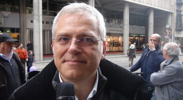 Francesco Campanella esprime sul suo profilo Facebook tutto il suo dissenso contro la partecipazione di Casaleggio al Forum Ambrosetti di Cernobbio. Ma quella di Campanella non è solamente una voce fuori dal coro. La parola