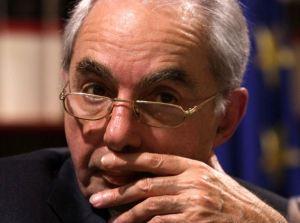 L'ex presidente del Consiglio propone due anni di vitalizio anticipato ai politici non rieletti
