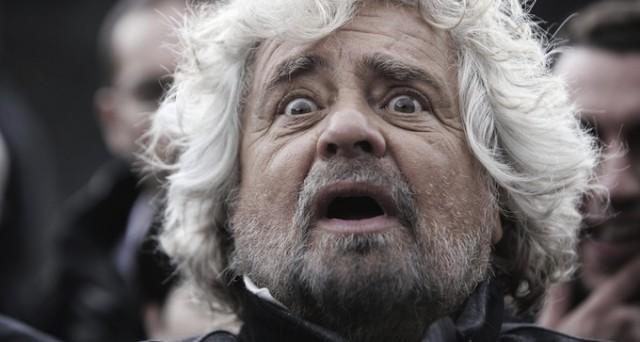 Dopo il pessimo risultato delle amministrative e lo scontro con la senatrice, Grillo incita i suoi dal blog.