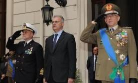 Il ministro della Difesa, Mario Mauro, ad Agorà, su Rai Tre ricorda quanto fatto dai nostri militari: i nostri aiuti insomma non hanno prezzo… oppure si?