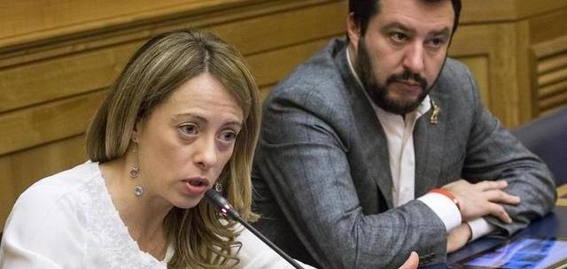 Giorgia Meloni rischia grosso alle elezioni di Roma. Se fosse superata da un altro candidato del centro-destra, il suo peso negoziale nella coalizione quasi si azzererebbe.