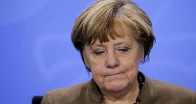 Ristrutturazione del debito della Grecia già decisa, ma sarà attuata dopo le elezioni in Germania. Aiuti in arrivo per oltre 10 miliardi e partecipazione dell'FMI al terzo salvataggio.