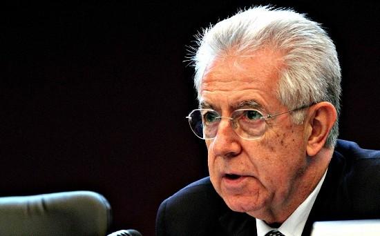 Mario Monti l'8 dicembre si è presentato da Giorgio Napolitano per annunciare le sue dimissioni non appena approvata la legge di stabilità.