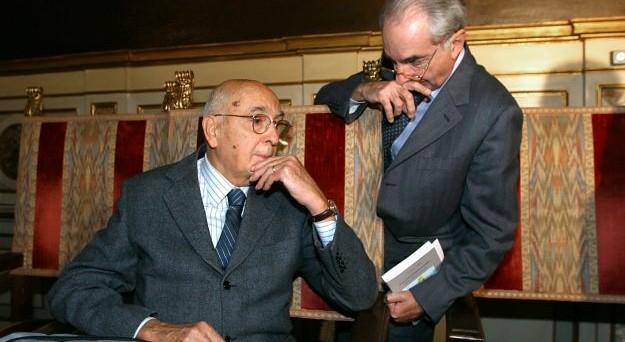 Dubbi sulla  formazione del nuovo governo. PD diviso e verso la scissione mentre Berlusconi vuole un'intesa che duri almeno 2 anni