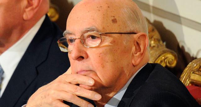 Giorgio Napolitano non vuole più tentennamenti e pretende che i partiti si accordino per la formazione di un governo.