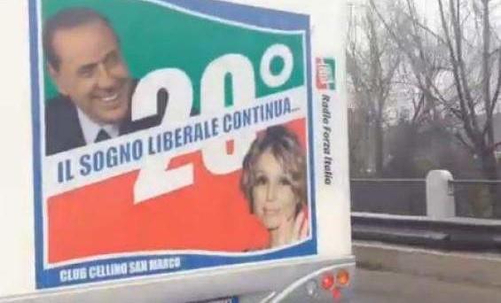 La replica di Silvio Berlusconi alle risposte di Gaia e Silvia Tortora, che non hanno gradito il paragone del Cavaliere col padre.