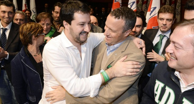 Matteo Salvini pone un ultimatum al sindaco di Verona, Flavio Tosi: dentro o fuori dalla Lega Nord. E restano le divisioni anche in Forza Italia, in vista delle elezioni regionali.