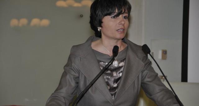 Maria Chiara Carrozza non si sbilancia sulle intenzioni del governo Letta di mantenere la promessa di un concorsone bis