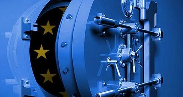 S'infittisce il dibattito europeo sui limiti da imporre alle banche nell'Eurozona per la detenzione di titoli di stato. La Germania chiede con il ministro delle Finanze, Wolfgang Schaeuble, e il governatore della Bundesbank, Jens Weidmann, di porre fine alla distorsione in favore dei bond sovrani, dettata dal fatto che ai fini dei bilanci bancari siano […]