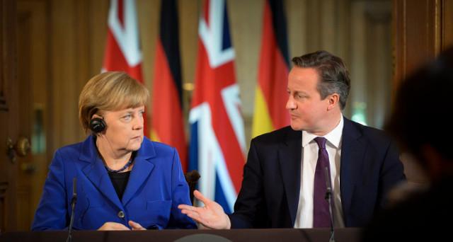 La Brexit scuote l'Europa. Il negoziato sarà duro e la Germania segnala di non volere concedere ai britannici la permanenza nel mercato comune. Intanto, è scontro sotterraneo tra Jean-Claude Juncker e governo tedesco.