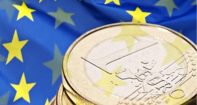 Le conseguenze della Brexit sui mercati sono stati immediati sin dalle prime luci dell'alba di venerdì scorso, che resterà nella storia come un giorno nerissimo per la finanza mondiale. Mai era andata così male a Piazza Affari, che ha bruciato in poche ore oltre 40 miliardi di euro di capitalizzazione. Immediate sono state anche le […]