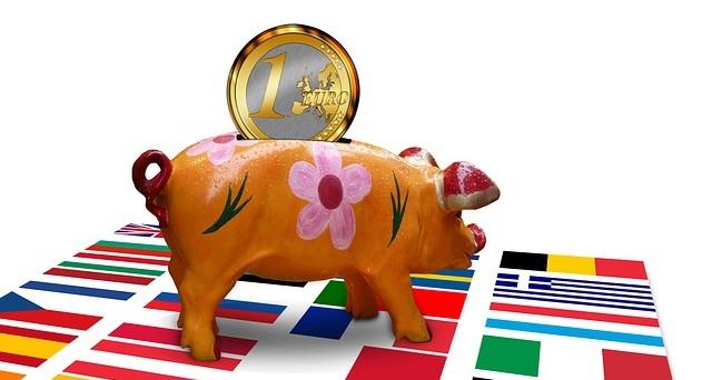 Compagnie di assicurazione in Italia a rischio patrimoniale con i rendimenti negativi dei titoli di stato. Ecco l'allarme suonato dall'agenzia di rating Fitch.
