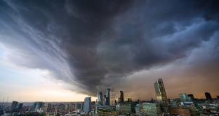 Tempesta finanziaria, perché mercati hanno paura