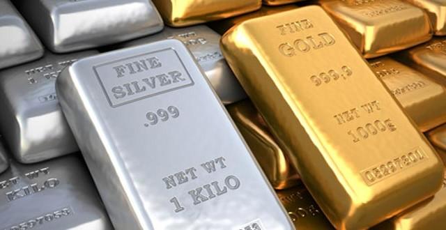 Le quotazioni di oro e argento sarebbero destinate a crescere, ma nel breve periodo sono elevati anche i rischi. Vediamo perché.